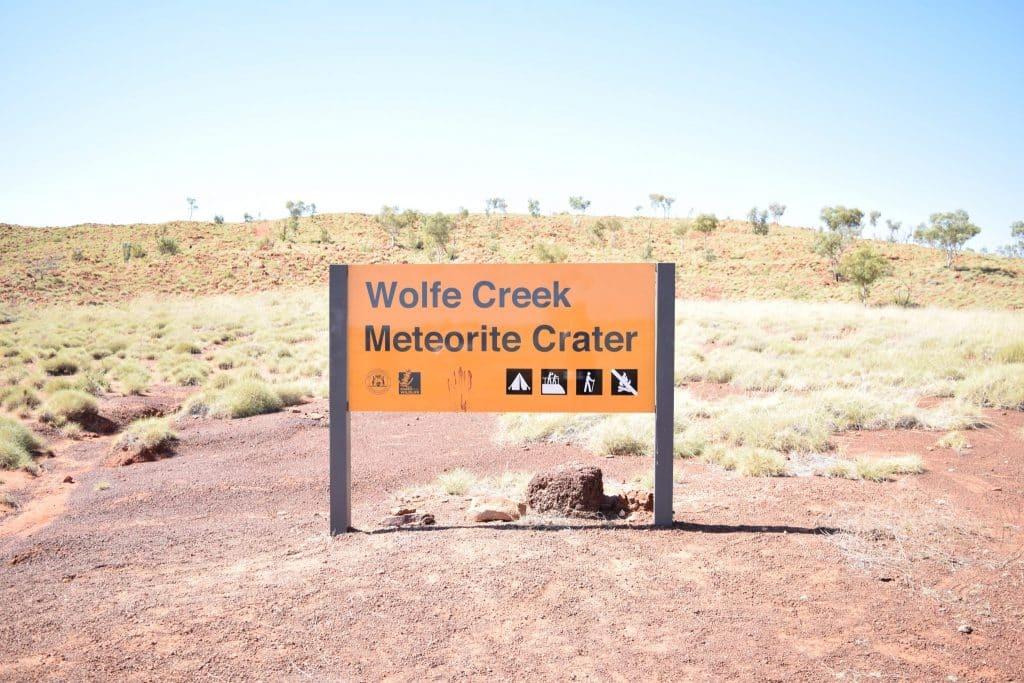 Wolfe Creek Crater, Halls Creek, Meteorite crater, Meteorite, hiking, adventure, Wolf Creek