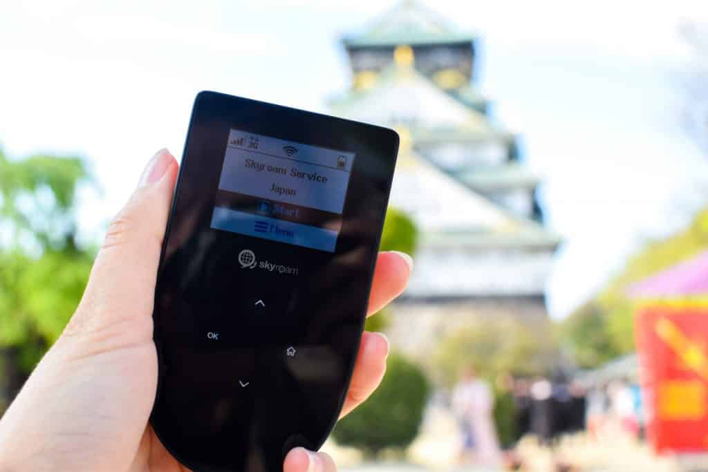 How to stay connected as a traveler, Skyroam, Japan, Skyroam Japan, Osaka Castle