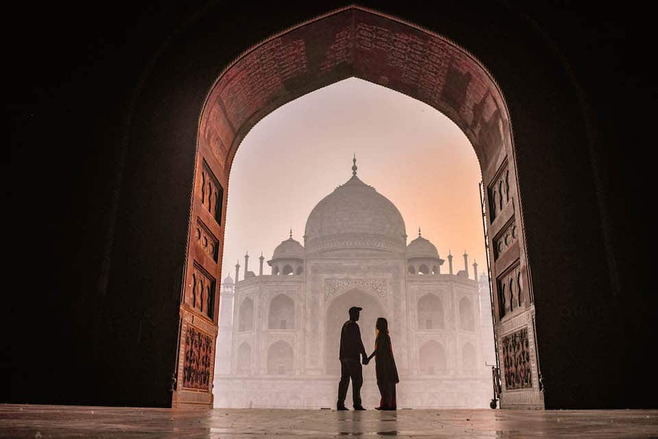Travel Couples Share the Best Part about Travelling Together, travel couples, travelling together, wanderlust, couple inspiration, #travelcouple, what is the best part about travelling together, what is the best part about travelling as a couple, Taj Mahal, India, chapter travel, Lisanne van Beurden, Jeffrey Sluiter, Nomadic couple,