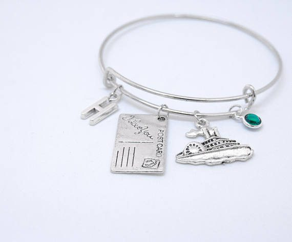 travel inspired jewellery, travel inspired jewelry, gifts for her, perfect necklace for her, travel gifts for her, travel inspired necklace, world pendant, pendant with travel quote, pendant with compass, personalised bracelet, personalised jewellery