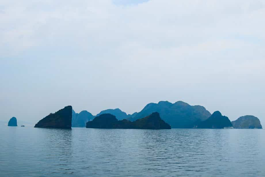 Everything you need to know about Halong Bay, Halong Bay, Tours in Halong Bay, View over Halong Bay, Facts about Halong Bay, Hike in Halong Bay, The Legend of Halong Bay