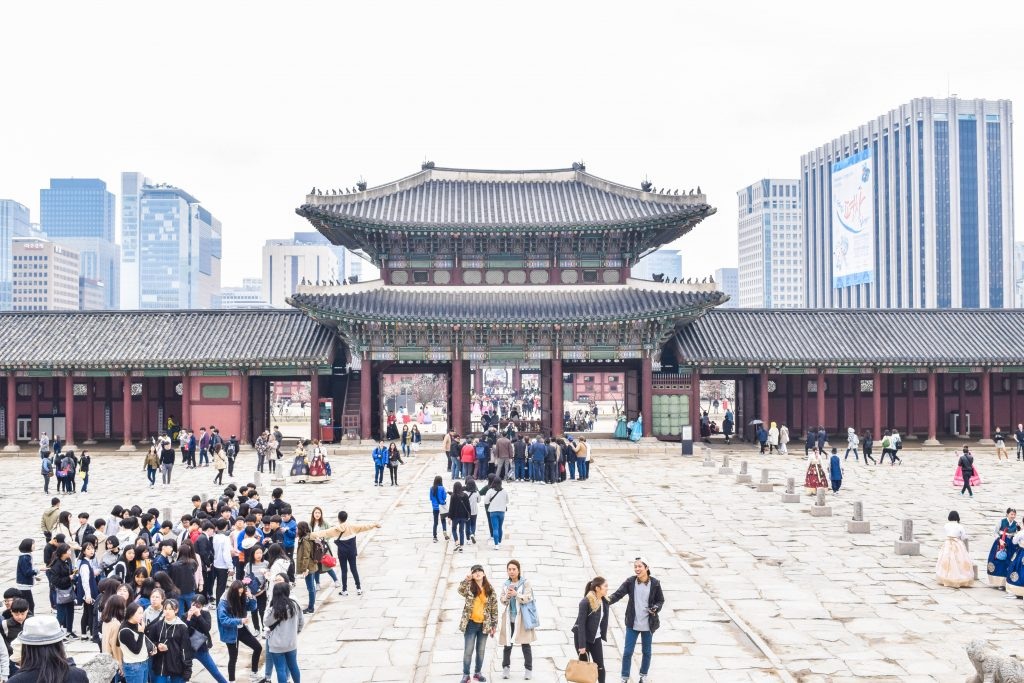 Gyeongbokgung Palace is a very impressive place in Seoul, full of Instagram worthy spots.
