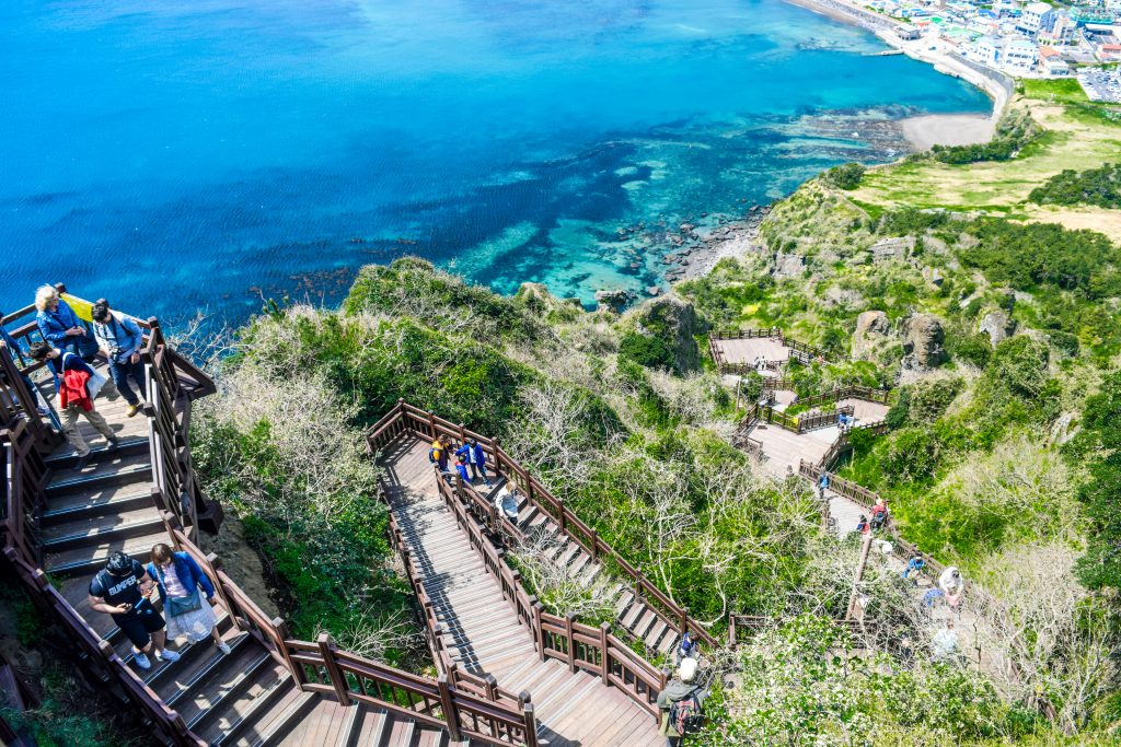 Where to eat on Jeju Island, Where to sleep on Jeju Island, Seongsan Ilchulbong Peak, Hallasan, Mount Hallasan, things to do on Jeju Island, Hotel RegentMarine The Blue, cherry blossom, spring in Jeju