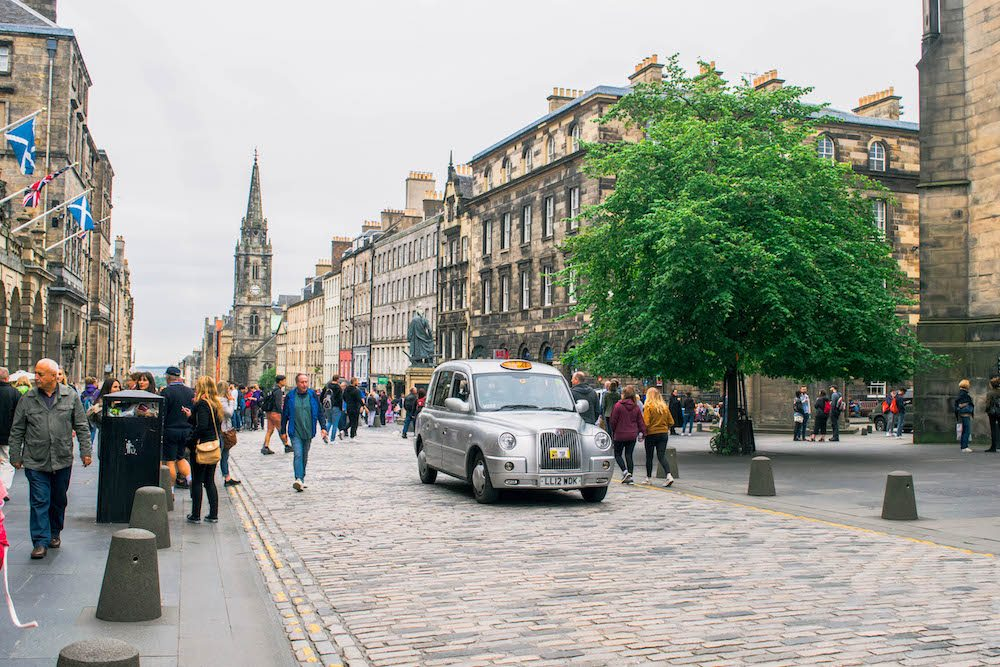 Edinburgh Castle, Travel Itinerary for a 9 day Road Trip in Scotland, Free camping in Scotland, Road trip in Scotland, Scottish Highlands, Road Trip Isle of Skye, Isle of Skye, Edinburgh, Glasgow, Fort Williams, Glencoe, Point Neist, free camping in Scotland